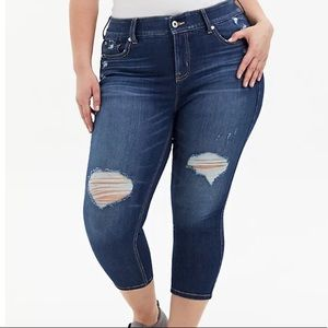 NWT Torrid Denim Crop Bombshell Skinny Jean Dark Wash Size 10